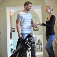 Golf ve Valticích a na jižní Moravě Chcete si odpočinout na golfu, potrénovat, nebo vyzvat své kolegy či zákazníky v rámci firemní akce? Ve Valticích a v jejich dosahu je několik golfových hřišť. Kam se podívat?